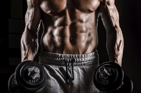 bodybuilder_chest_abs_weights_600x397